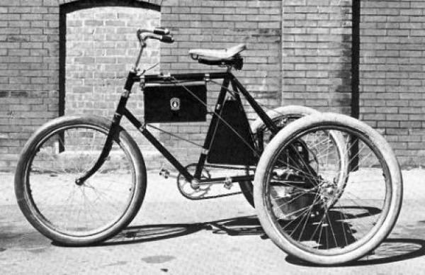 triciclo%20a%20gasolina%201897.jpg