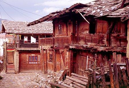 La Shangrilá real existe, ¿existe?-http://viajes.elpais.com.uy/images/stories/Asia/Shangrila/zhongdian-ciudad-antigua-calles-c08.jpg