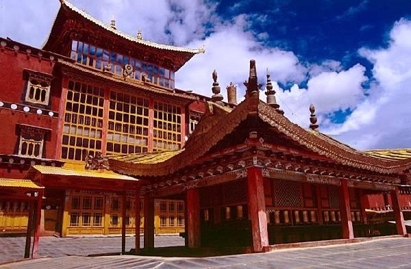 La Shangrilá real existe, ¿existe?-http://viajes.elpais.com.uy/images/stories/Asia/Shangrila/zhongdian-sumtseling-gompa-c04.jpg