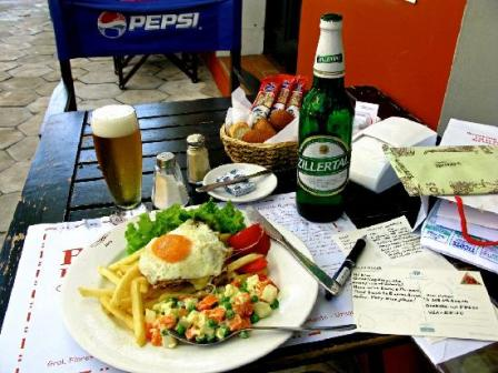 Colonia..Uruguay...quien conoce?-http://viajes.elpais.com.uy/images/stories/uruguay/popular-lunch-of-chivito.jpg