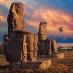 Esperá sentado, Amenhotep III