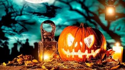 "Halloween, ""poderoso caballero es don dinero"""
