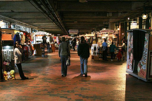 1200px-2008-03-14_Underground_Atlanta