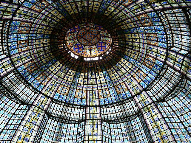 1200px-Paris_Printemps_restraurant_cupola