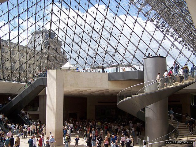 13303-FRA-Paris-Louvre