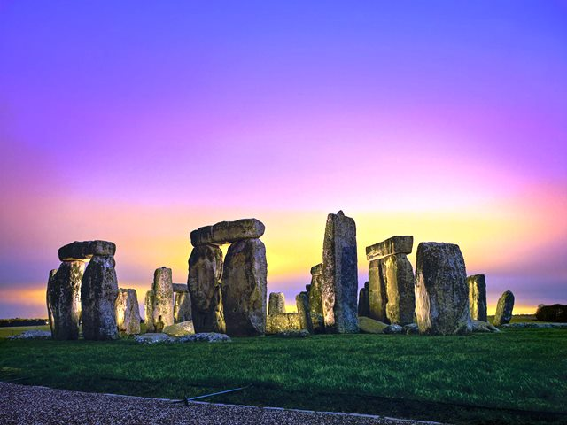 133_stonehenge1_2000x1501