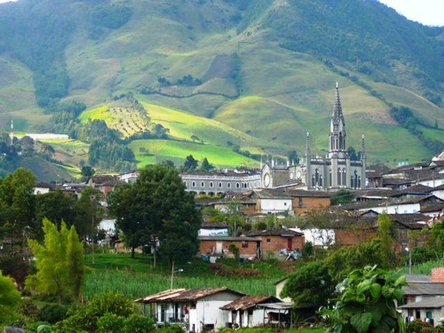 16.12.30-Pueblos-más-lindos-de-Antioquia-Sonson-2-1024x769