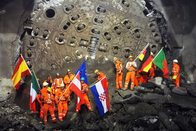 Westr??hre Durschlag Tunnelbohrmaschine Gotthard-Basistunnel, Fai