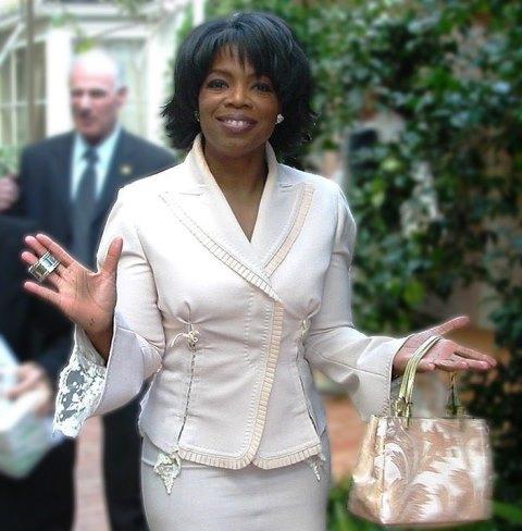 704px-Oprah_Winfrey_(2004)