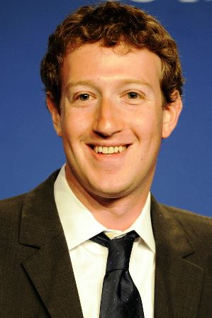 800px-Mark_Zuckerberg_at_the_37th_G8_Summit_in_Deauville_018_v1