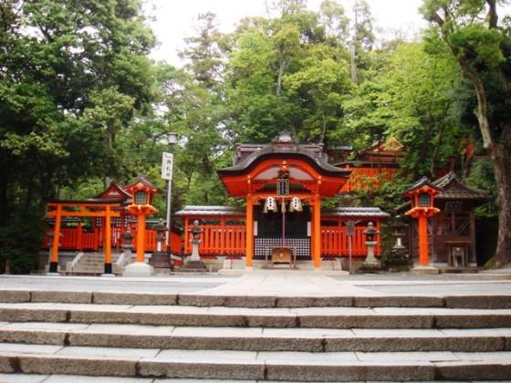 A_shrine_in_Fushimi_Inari-taisha_