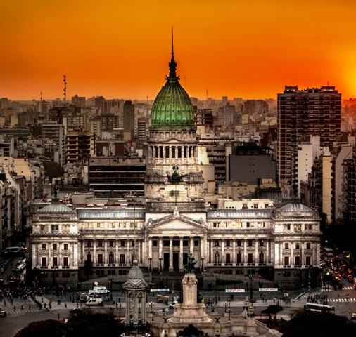 Atardecer_en_el_Congreso_de_la_Nación_Argentina