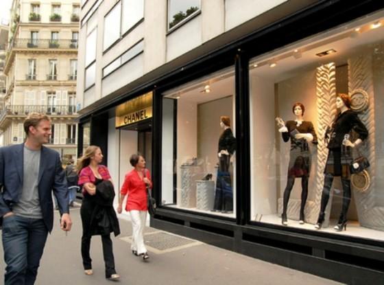 Avenue Montaigne, Paris, Perancis veromons.blogspot.com