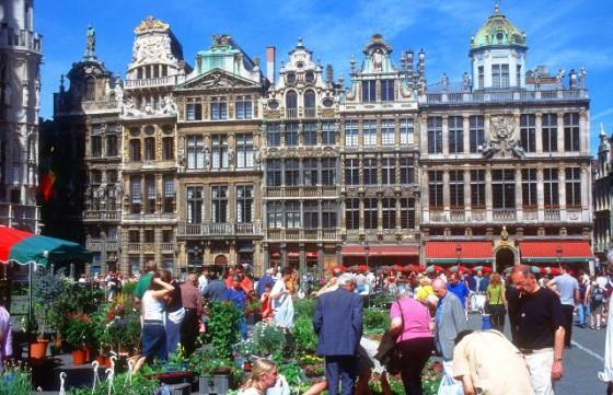 BRU Brussels Grand Place facade 1 b