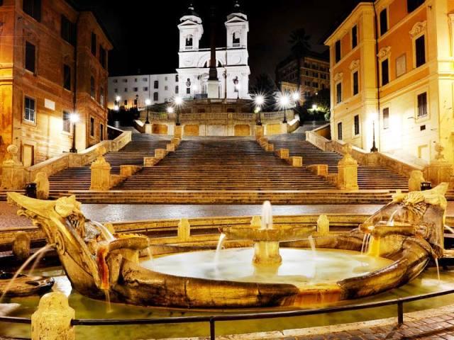Barcaccia_con_Trinita_dei_Monti