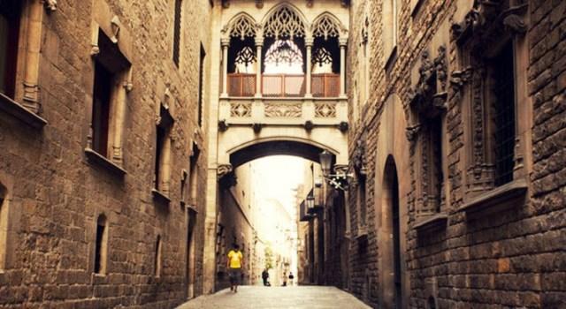 Barrio-Gotico-Barcelona-1-750x410