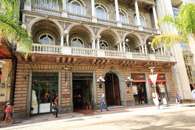 Club_Uruguay,ubicado_en_Calle_Sarandi_580_al_586.