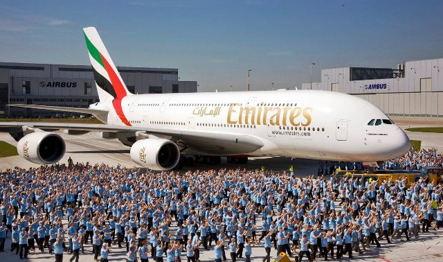 EMIRATES-AIRBUS-A380-842-A6-EUY