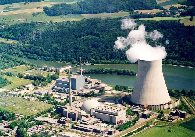 Gelände_des_Kernkraftwerk_Isar_(KKI)