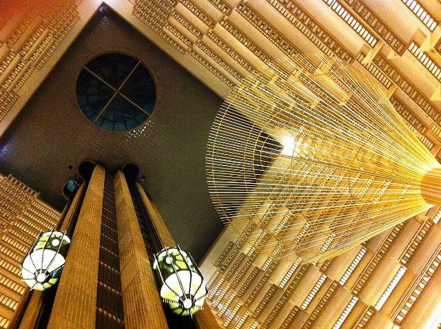 Hyatt_regency_atlanta_atrium