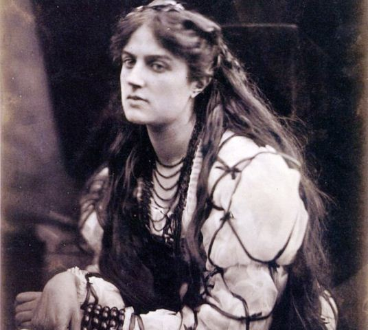 Hypatia,_by_Julia_Margaret_Cameron