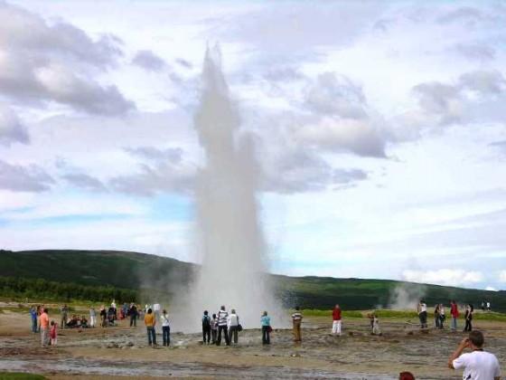 Iceland 04 04 Geysir Strokkur Geyser
