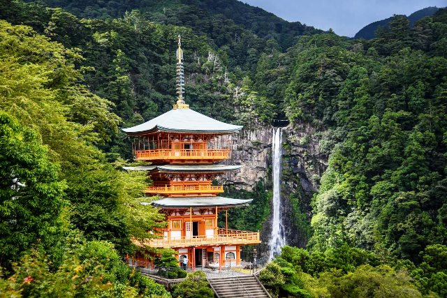 Kumano+Kodo+Trail+Nachi+Falls+Three-tiered+Pagoda