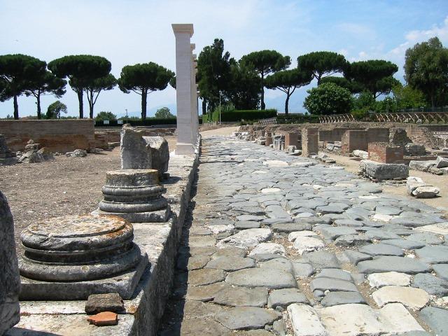 Minturno_Via-Appia