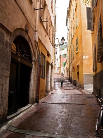 Rue du Malonat dans le Vieux-Nice (Nice, Alpes-Maritimes, France).