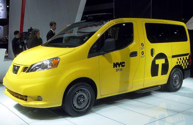 Nissan_NV200_NYC_Cab_--_2012_NYIAS