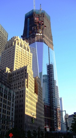 One_World_Trade_Center_under_construction_July_31_2011_from_below