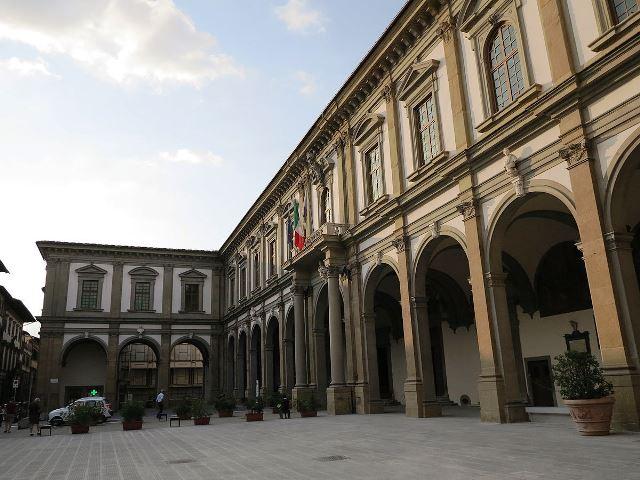 Ospedale_di_santa_maria_nuova,_porticato_(5)