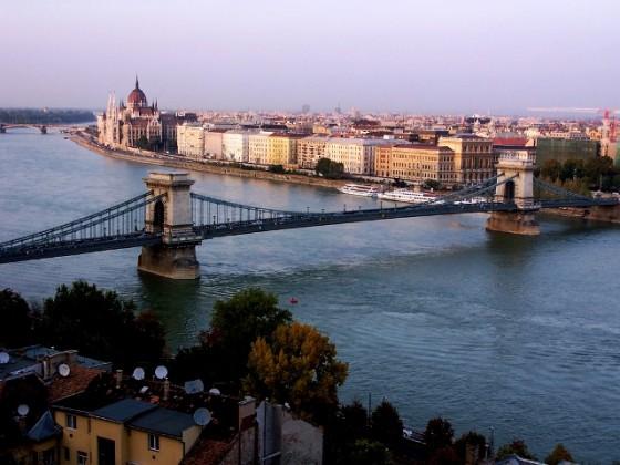 Pablo_Garc_a_Mateo_2006_Budapest_El_La_fuerza_del_Danubio_pabgarmat_hotmail_com.sized