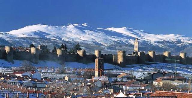 Panoramica_de_Avila_con_la_muralla_2null