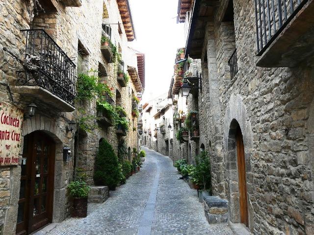 Pedraza-Segovia-Calle-1