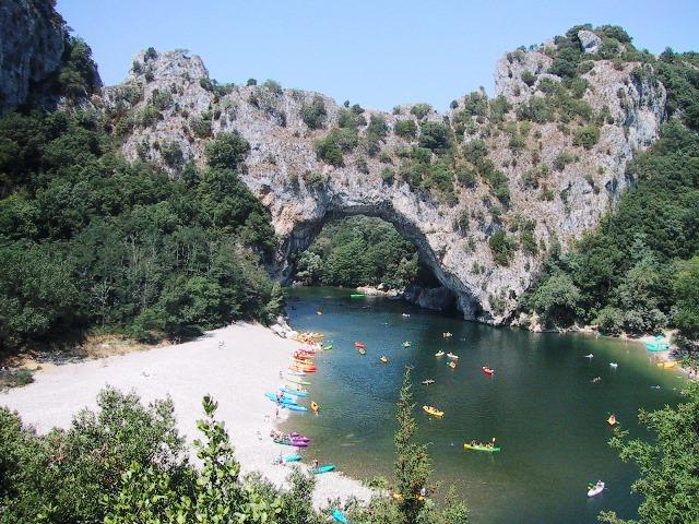 Pont_d'Arc_arch