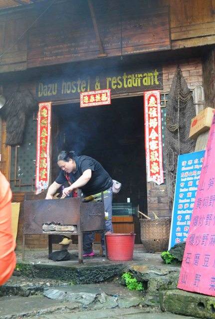 Restaurante de un poblado en las terrazas de arroz