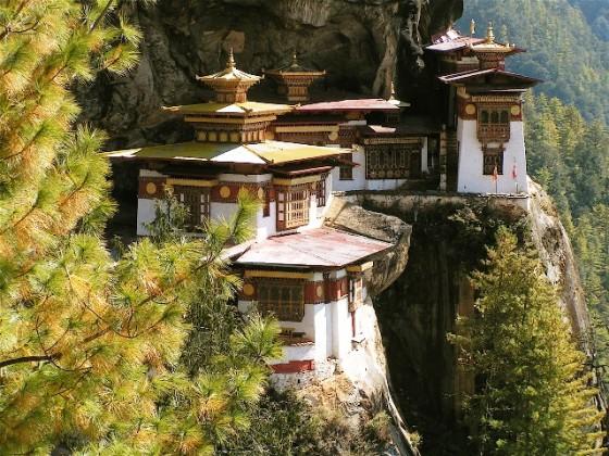 Tigernest_(Taktsang)-Kloster_in_Bhutan_3