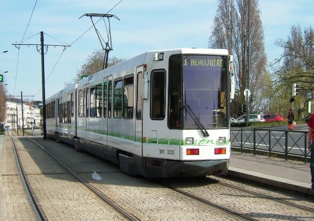 Tramway_in_Nantes
