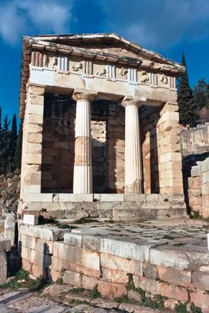 Treasury_of_Athens_at_Delphi