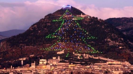 arbol-Navidad-grande-mundo_TINIMA20111207_0054_18