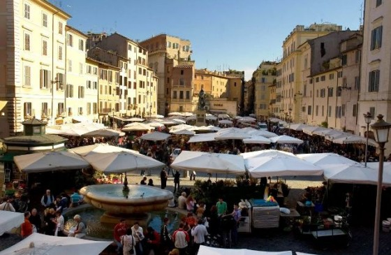 campo-de-fiori-is-a-major-focus-in-roman-life-rome-italy+1152_12892519134-tpfil02aw-22232