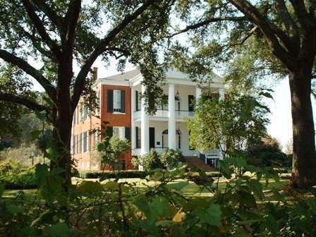 e30 Natchez Mansion