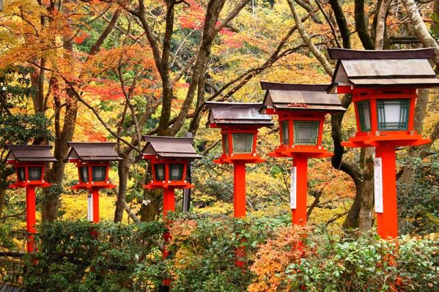 kibune-kurama-momiji-otoño-en-japon