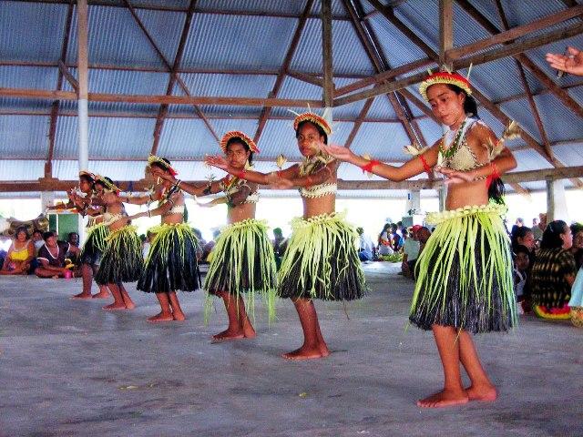 kiribati-dance_L