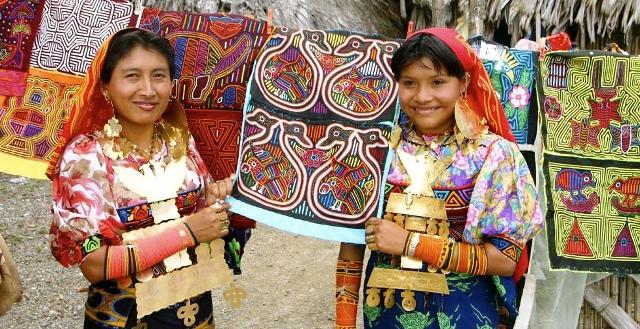 kuna-woman-mujer-molas-san-blas-panama