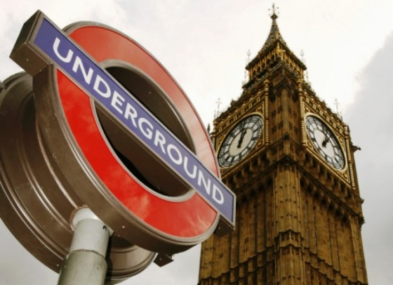london tube 560x406 - Misterios, casos paranormales y curiosidades del metro de Londres.