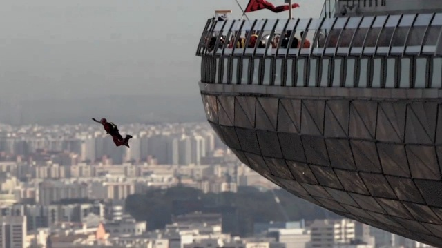 marina-bay-sands-skypark-base-jump-6