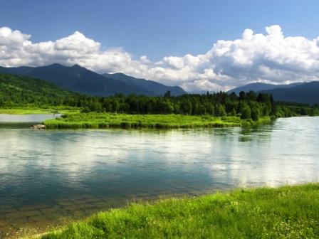Y si tenes dinero mirá!-http://viajes.elpais.com.uy/wp-content/uploads/mas-lago.jpg