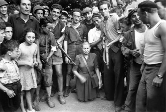 mujer-francesa-colaboracionista-horizontal-1944-marsella
